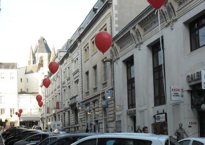 Street Marketing Distribution ballon voiture - Andégave Communication